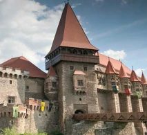 romanian red wines - romanian white wines - Corvin Castle